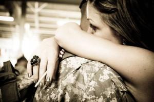 Il part à l'armée et la relation à distance lui faire peur, que faire ?